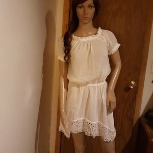 Cute White Ruffle Crochet Mini Dress Sz M Cover-up